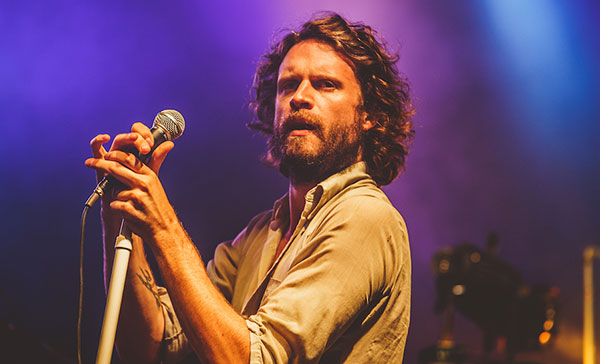 father_john_misty08_website_image_ytnv_wuxga