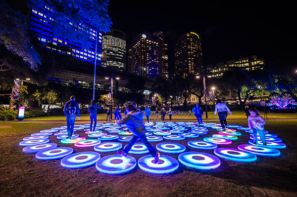 VividSydney_ThePool_BrettHemmings_21May2014_005
