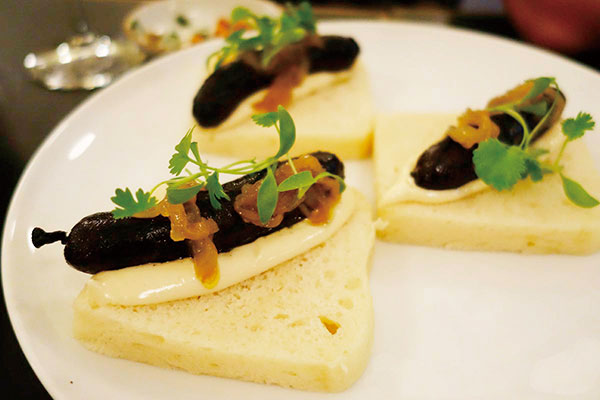 Blood-sausage-sandwich-at-Ester