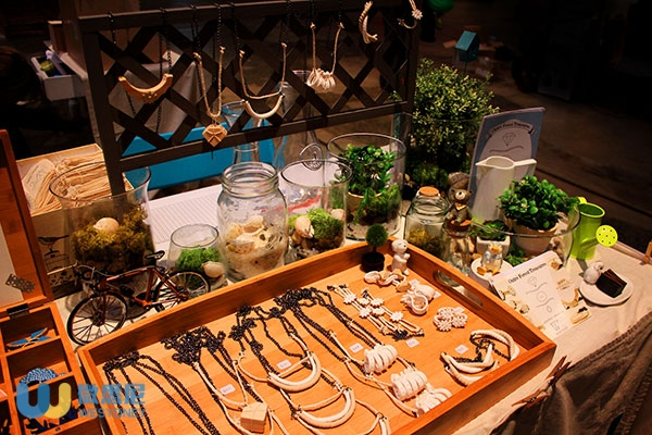 closeup_stall_at_finderskeepers_