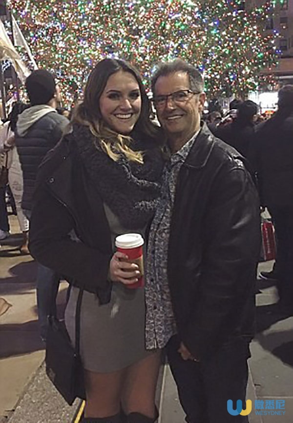 34FBFF3E00000578-3627594-Olivia_poses_with_her_father_bassisit_and_E_Street_Band_founding-a-35_1465235855441