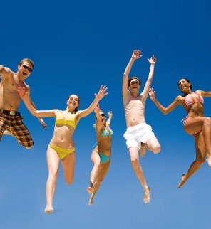 my-ipad-retina-hd-summer-jump-at-the-beach-fun